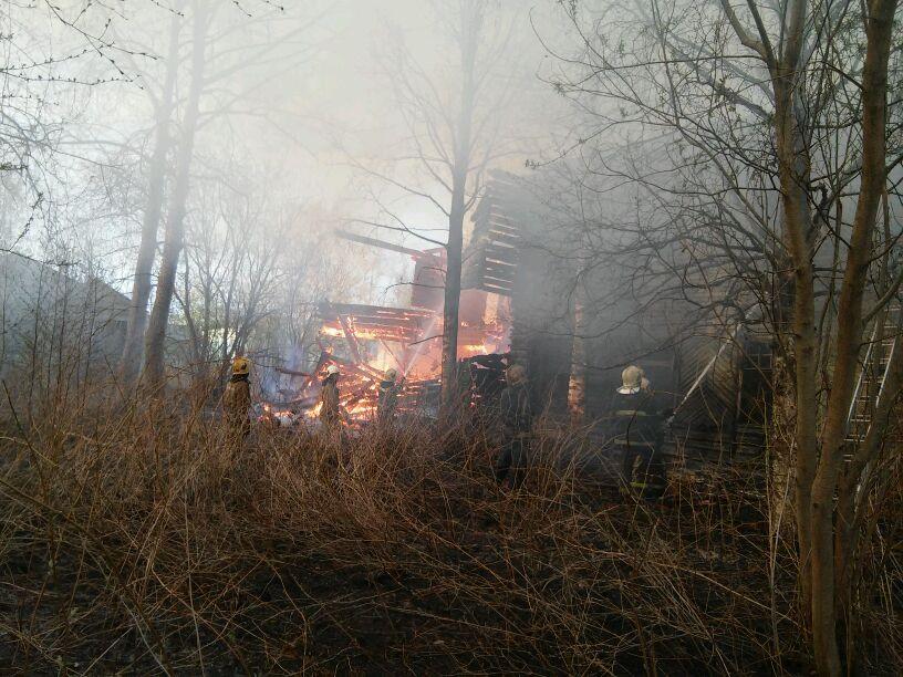 Пожарно-спасательные подразделения ликвидировали пожар в Шенкурском районе Архангельской области.