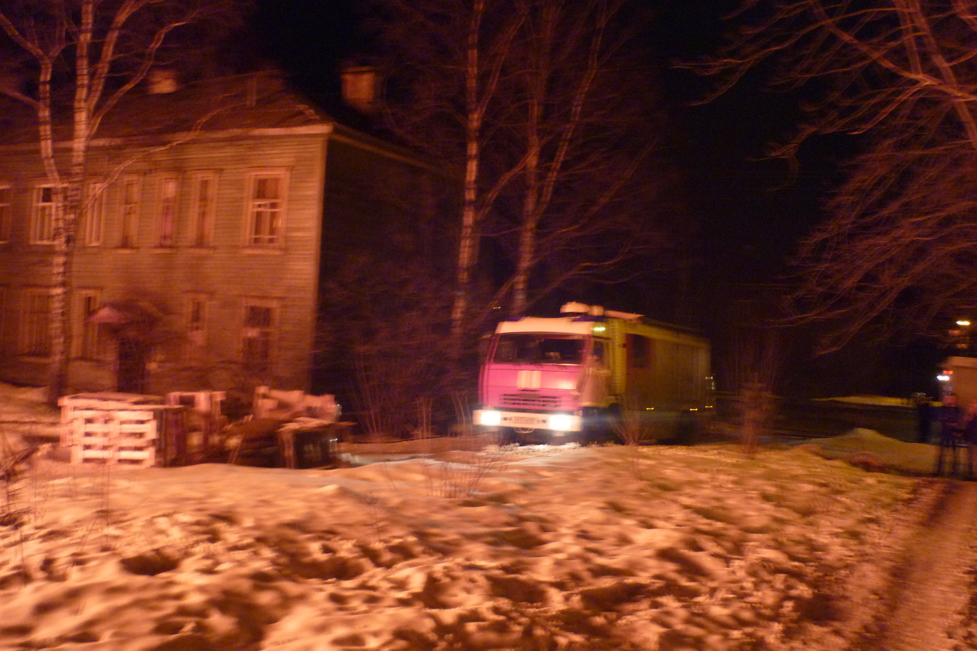 Пожарно-спасательные подразделения ликвидировали пожар в Мезенском районе Архангельской области.