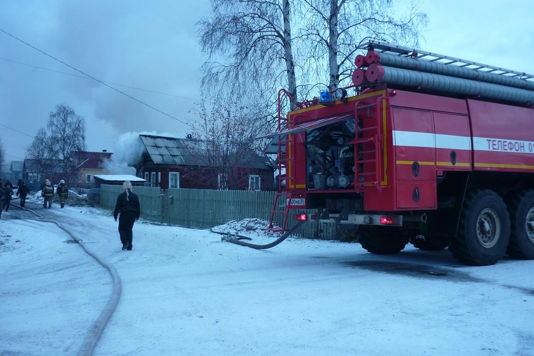 Пожарно-спасательные подразделения выезжали на пожар в Онежском районе Архангельской области.