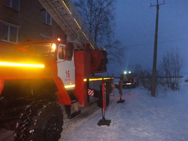 Пожарно-спасательные подразделения ликвидировали пожар в Коношском районе Архангельской области