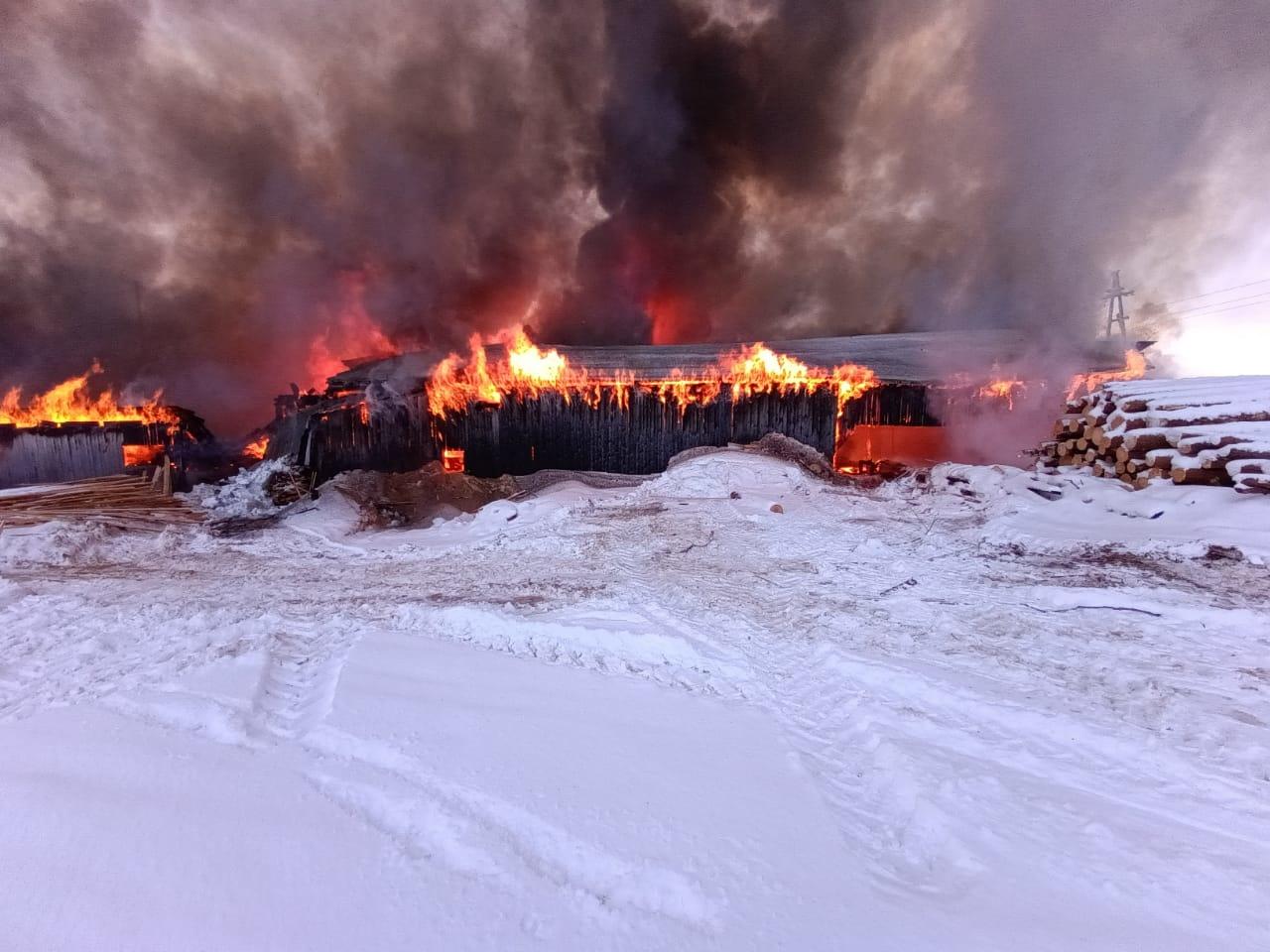Пожарно-спасательные подразделения ликвидировали пожар в г. Каргополь Архангельской области.
