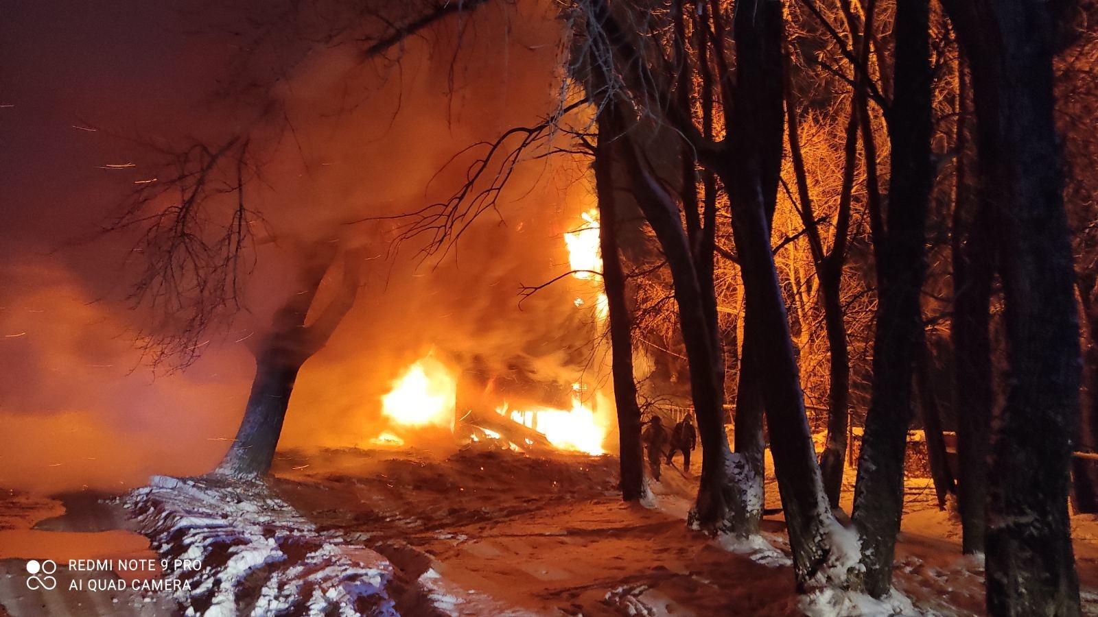 Пожарно-спасательные подразделения ликвидировали пожар в Плесецком районе Архангельской области.