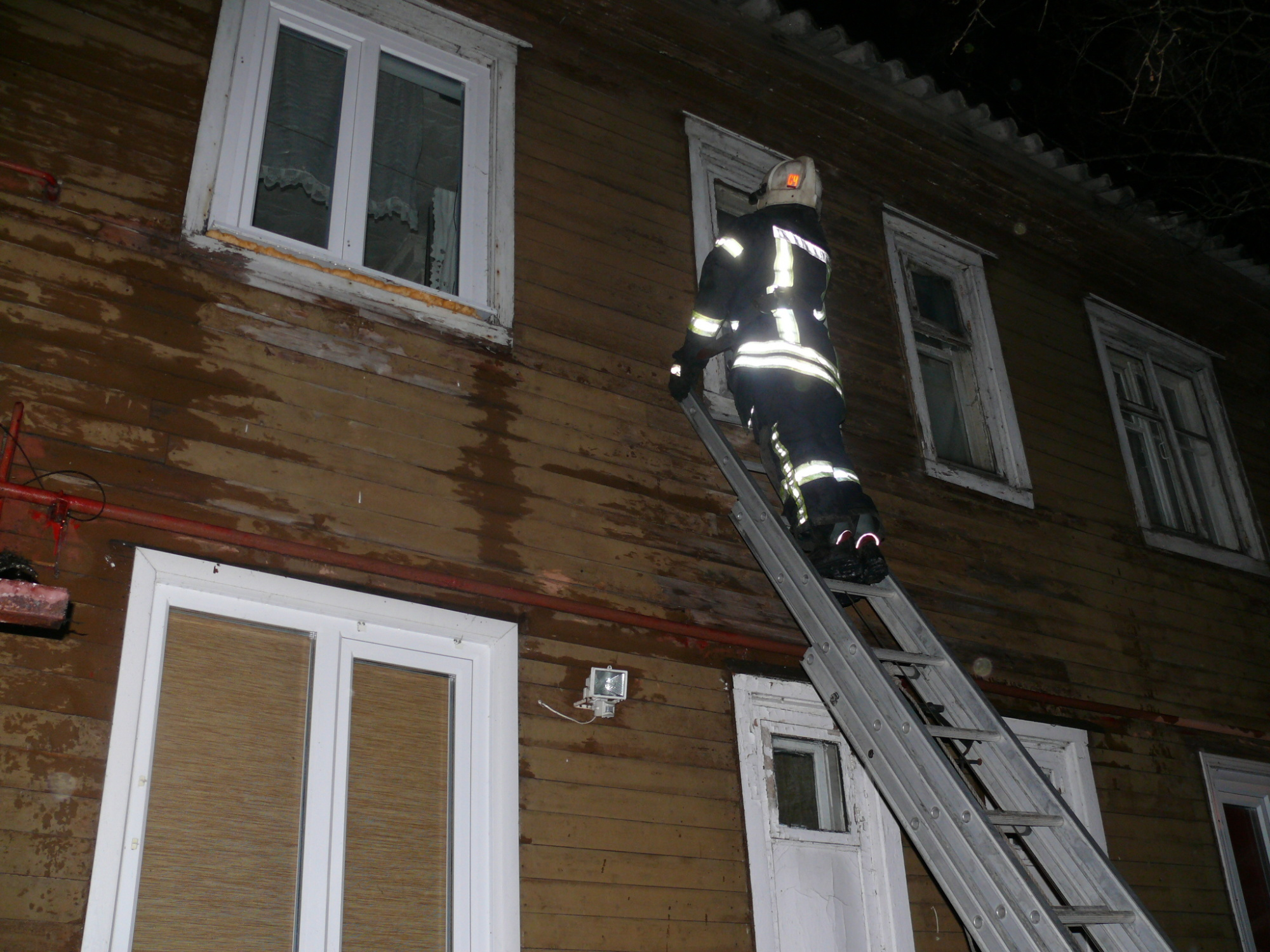 Пожарно-спасательные подразделения ликвидировали пожар в г. Новодвинска Архангельской области