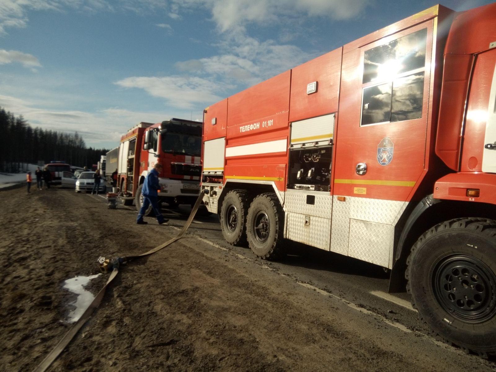 Пожарно-спасательные подразделения приняли участие в ликвидации последствий ДТП в г. Северодвинске Архангельской области