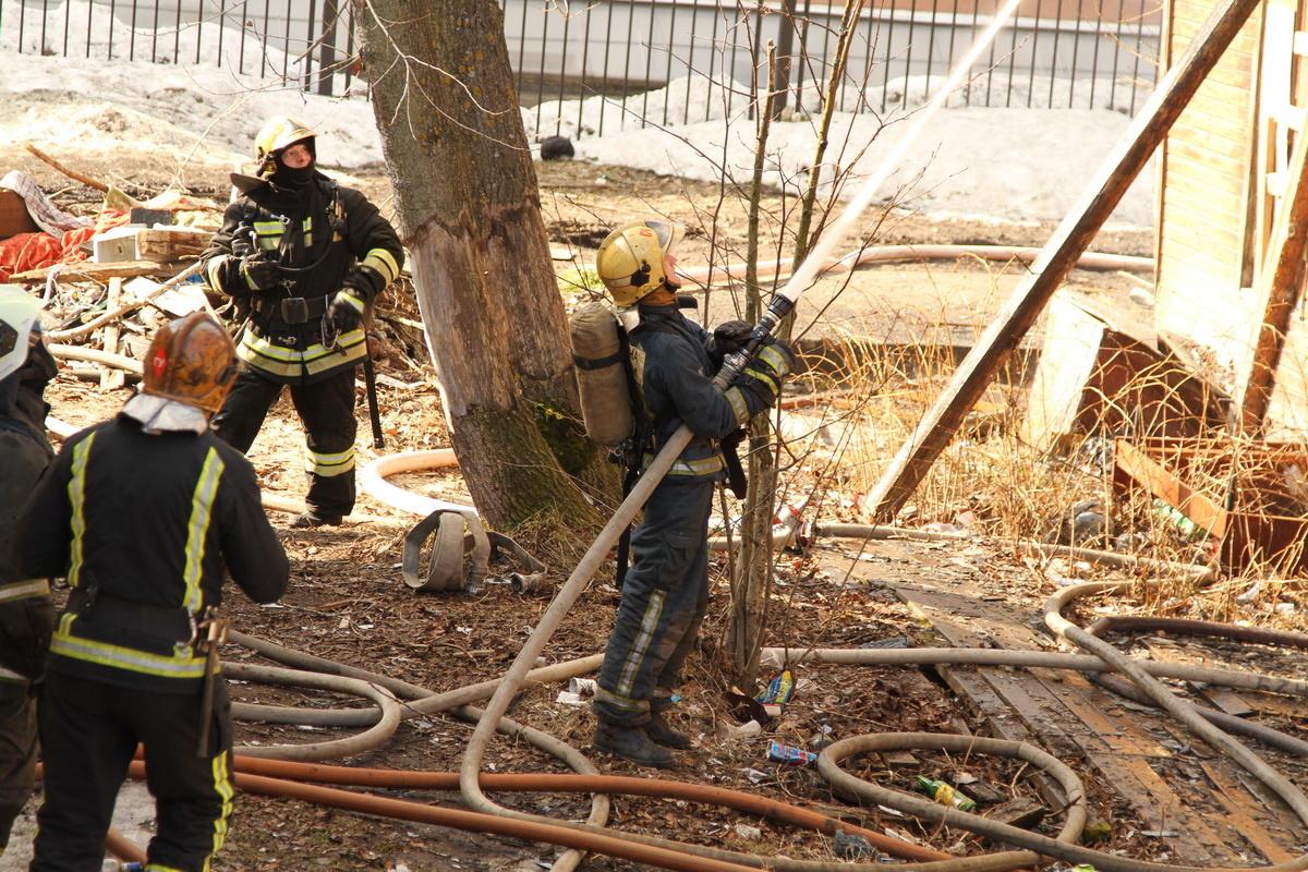 Пожарно-спасательные подразделения ликвидировали пожар в Лешуконском районе Архангельской области.