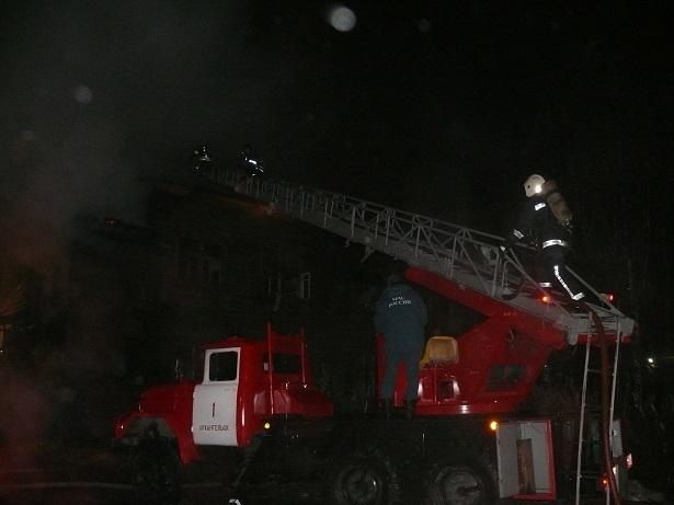 Пожарно-спасательные подразделения ликвидировали пожар в г. Коряжме Архангельской области